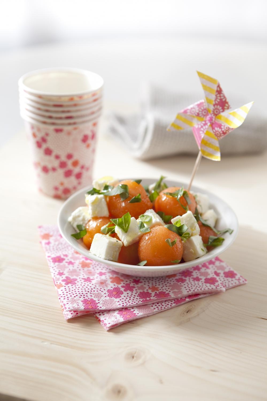 Salade sucr sal melon feta et basilic pour 4 personnes recettes elle table - Sites de recettes de cuisine ...
