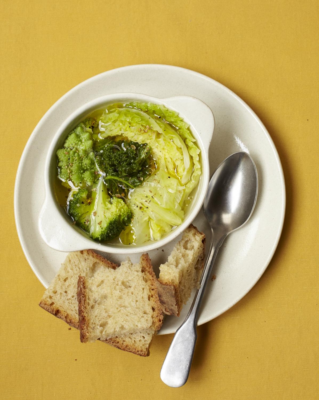 Soupe kale brocoli chou vert et chou romanesco pour 6 personnes recettes elle table - Soupe de brocolis thermomix ...
