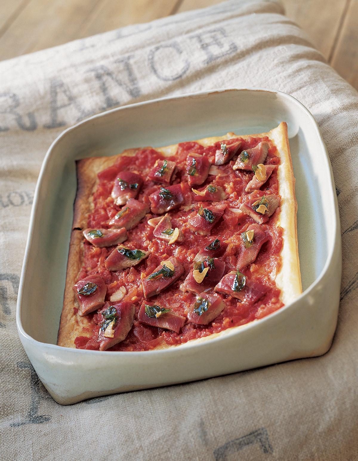 tarte aux tomates confites et au thon mi cuit pour 6 personnes recettes elle table. Black Bedroom Furniture Sets. Home Design Ideas