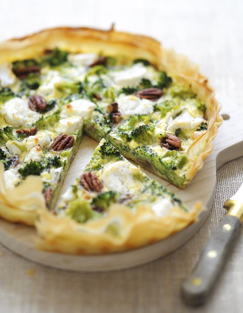 Tarte brocolis ch vre pour 6 personnes recettes elle table - Cuisiner des brocolis ...