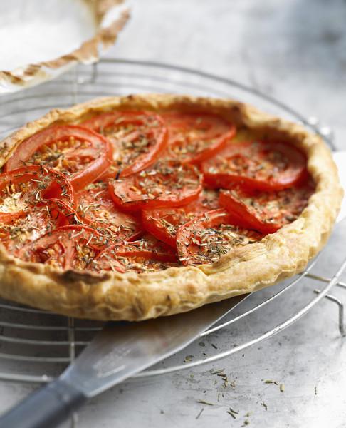 Tarte simple la tomate et la moutarde pour 6 personnes recettes elle table - Recette de cuisine simple ...