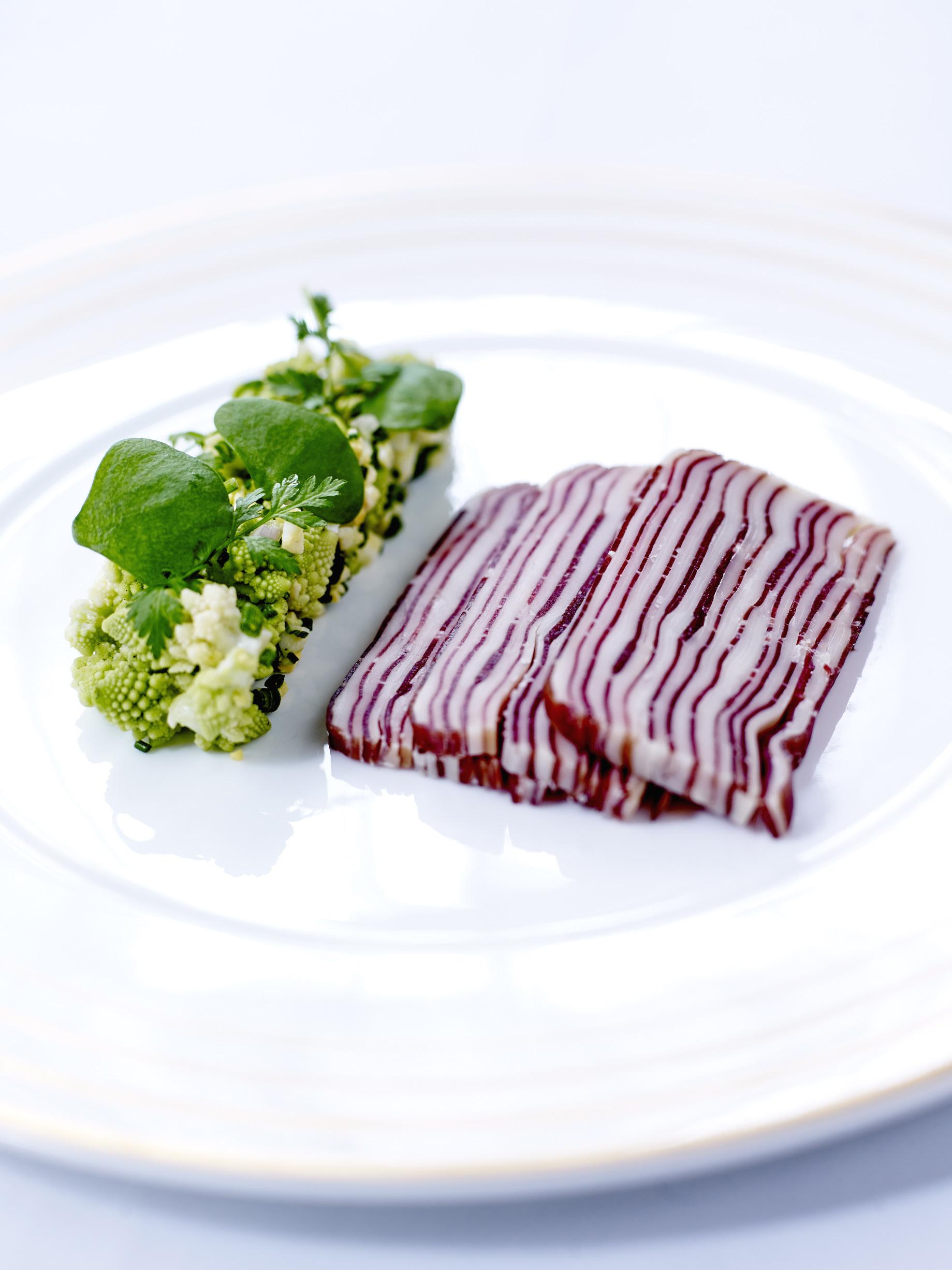 terrine de viande des grisons et beaufort pour 8 personnes recettes elle table. Black Bedroom Furniture Sets. Home Design Ideas