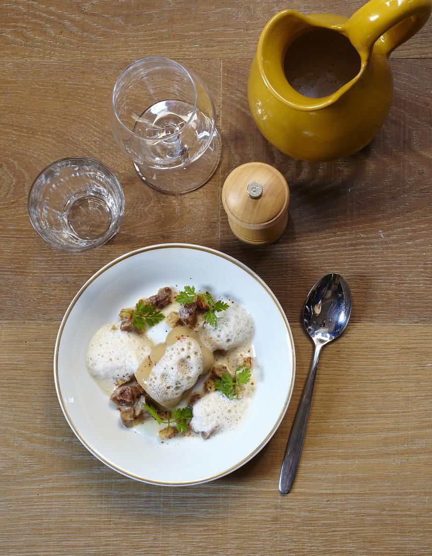 velout de ch taigne royale de foie gras pour 4 personnes recettes elle table. Black Bedroom Furniture Sets. Home Design Ideas