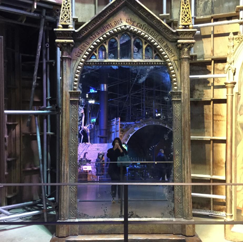 Le miroir du ris d entrez dans les coulisses du tournage for Miroir harry potter