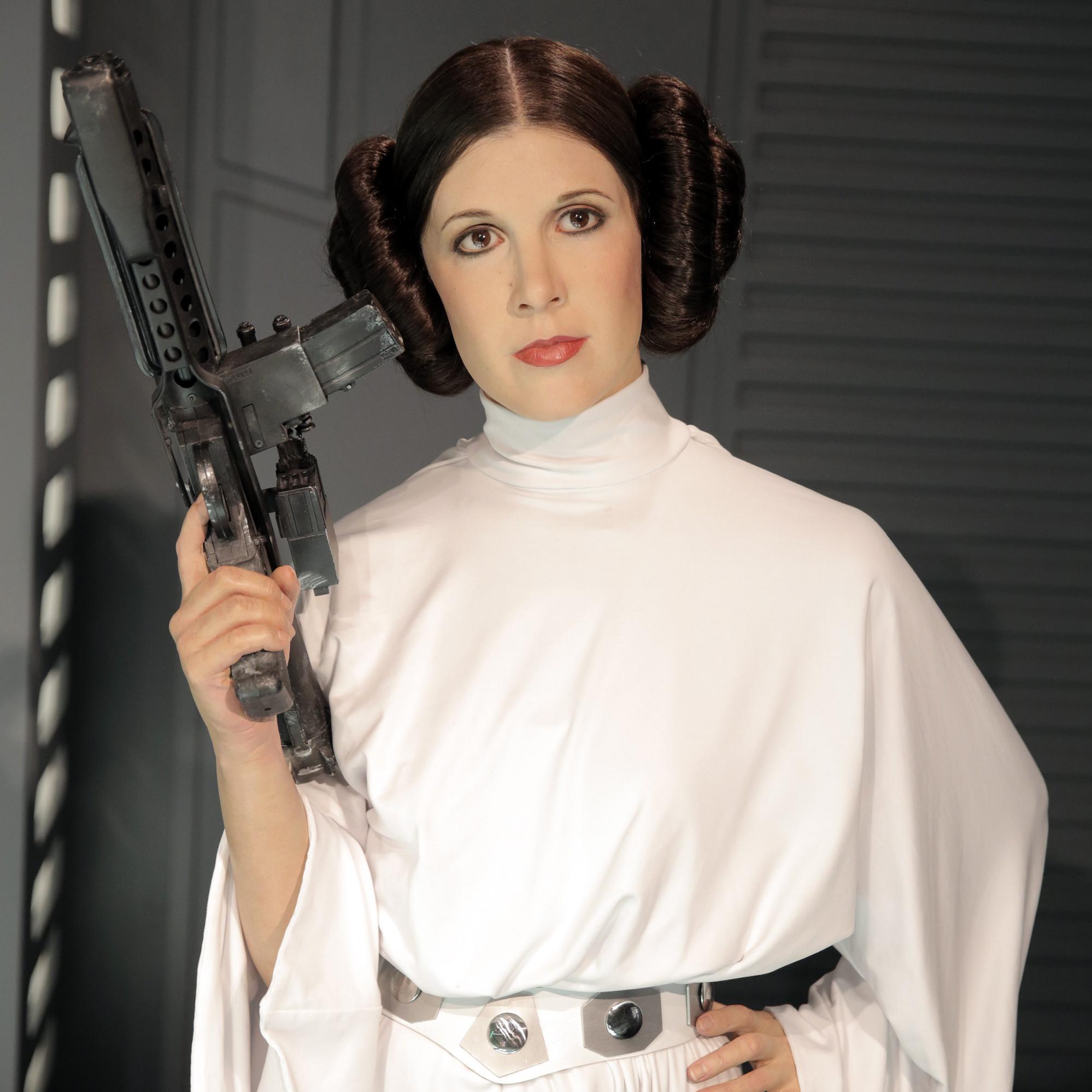 pr t liker d couvrez le nouveau costume de la princesse leia dans star wars 7 elle. Black Bedroom Furniture Sets. Home Design Ideas