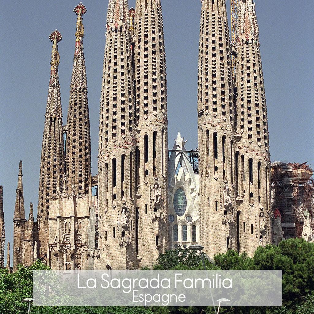 La sagrada familia barcelone les 20 plus beaux for Les monuments les plus connus du monde
