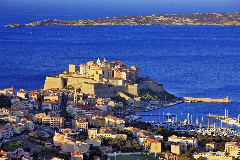Calvi, en Corse - Où partir en août : nos meilleures destinations ...