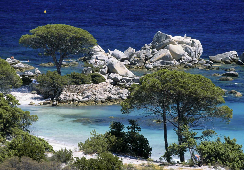 La Plage Santa Giulia En Corse Les Cinq Plus Belles Plages De Corse Pour Des Vacances