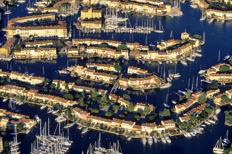 Port grimaud var les 15 plus beaux coins du sud de la - Restaurant la table du mareyeur port grimaud ...