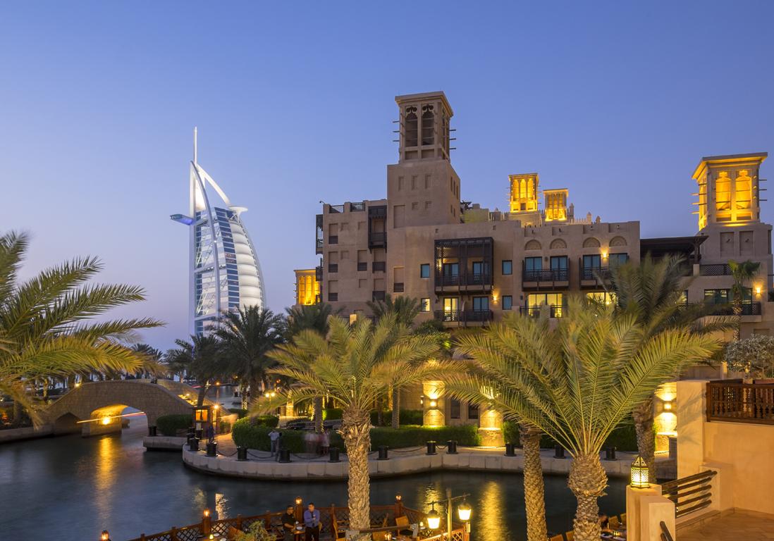 duba aux emirats arabes unis 10 destinations o partir pour les vacances de p ques elle. Black Bedroom Furniture Sets. Home Design Ideas