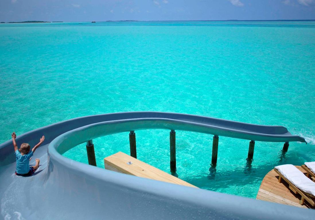 voici pourquoi cette piscine est la plus folle du monde elle. Black Bedroom Furniture Sets. Home Design Ideas