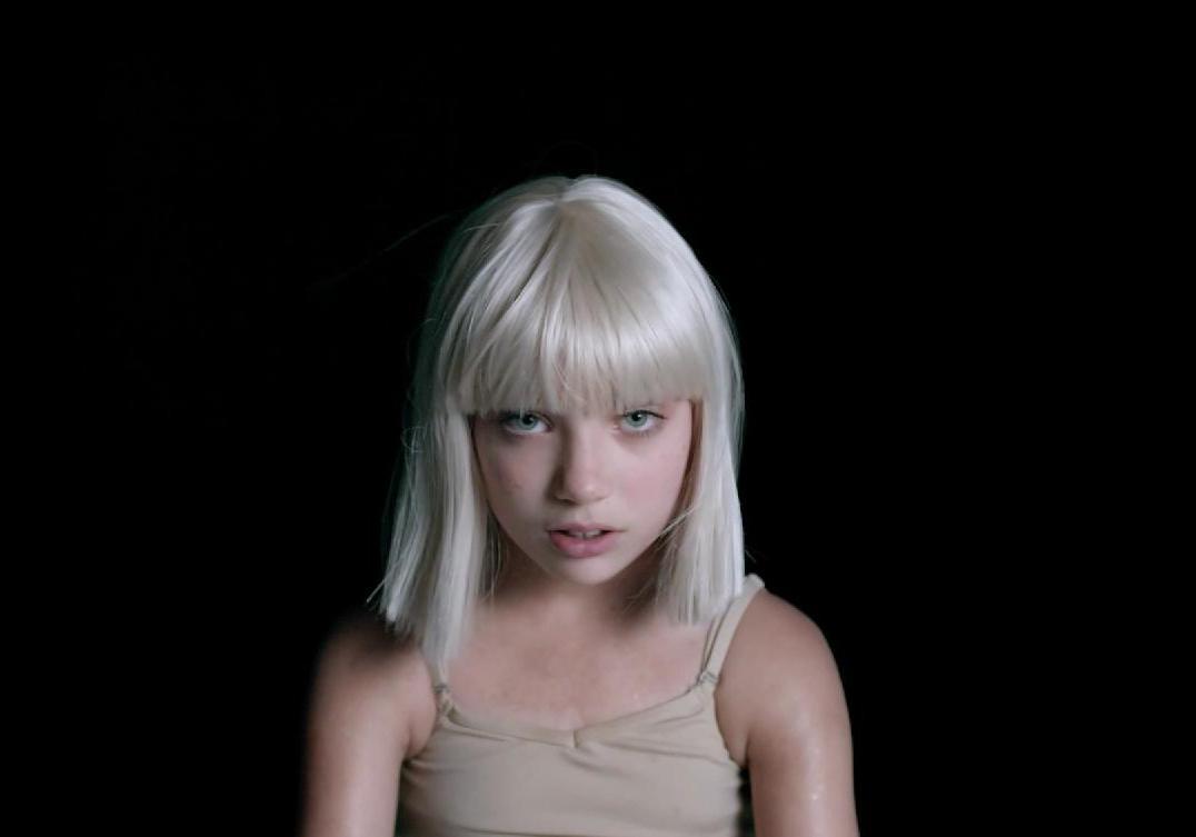 Sia : son nouveau clip « Big Girls Cry » avec Maddie ...