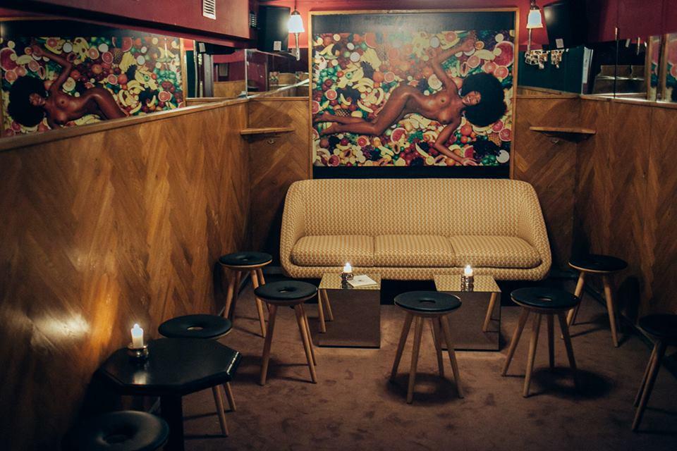 le bar insolite paris le plus ludique bars insolites paris toutes nos adresses pour. Black Bedroom Furniture Sets. Home Design Ideas