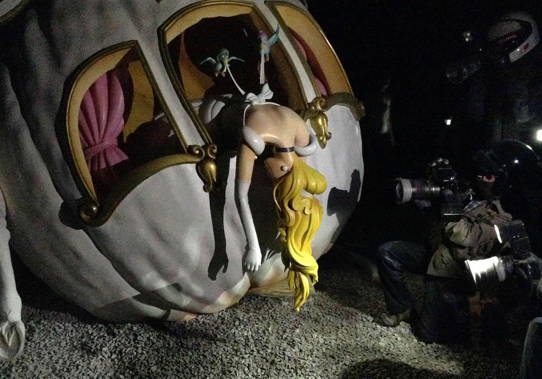 Le carrosse de cendrillon dismaland le parc d attraction d senchant de banksy elle - Carrosse de princesse ...