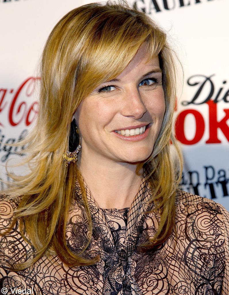 Louise ekland apr s une prestation remarqu e pendant les jo de londres sur france 2 la - Journaliste femme france 2 ...
