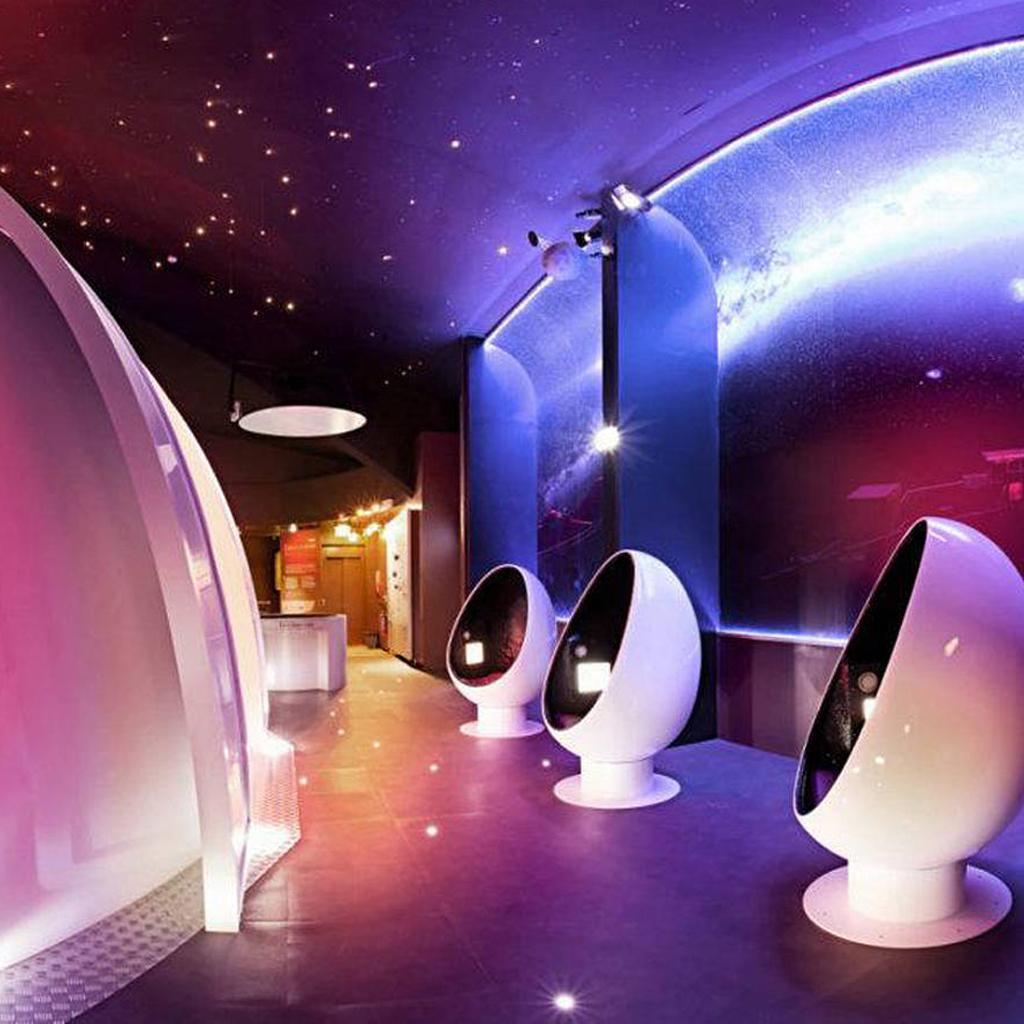 toulouse une exploration de l univers la cit de l espace 12 sorties cool faire avec ses. Black Bedroom Furniture Sets. Home Design Ideas