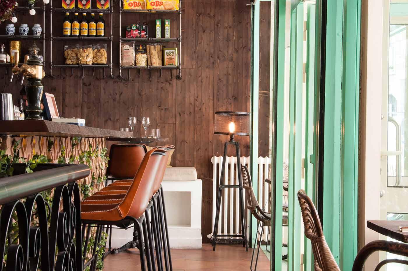 la cicciolina dans le 11e arrondissement o prendre l aperitivo comme en italie nos bonnes. Black Bedroom Furniture Sets. Home Design Ideas