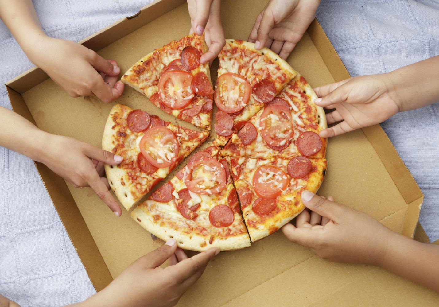 livraison pizza les meilleures pizzas se faire livrer domicile elle. Black Bedroom Furniture Sets. Home Design Ideas
