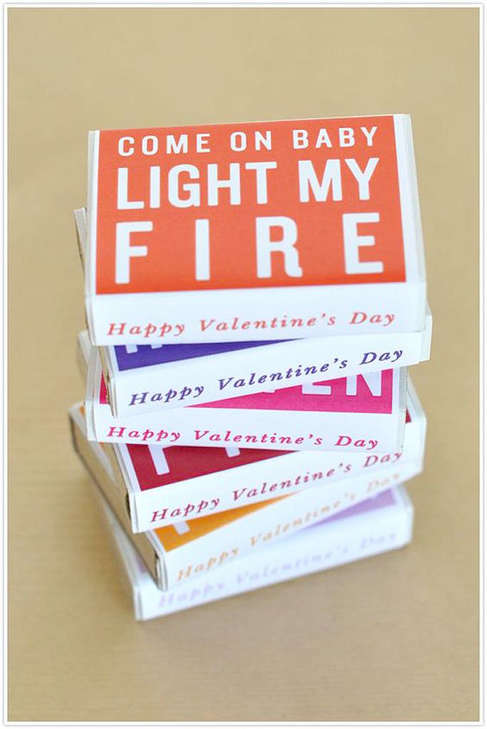 carte saint valentin offrir 20 cartes de saint valentin pour re tomber amoureux elle. Black Bedroom Furniture Sets. Home Design Ideas