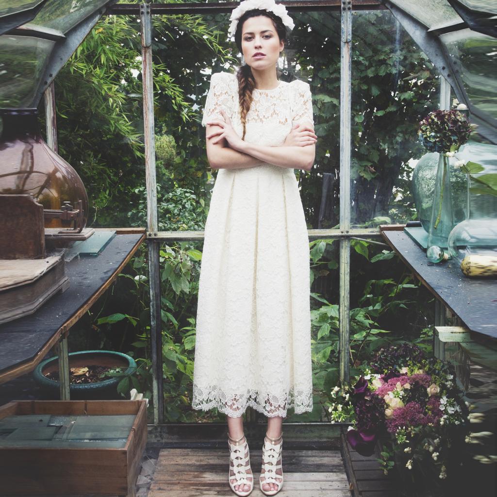 Les jolies chaussures d elise hameau pour cosmoparis elle for Jolies filles s habillent pour les mariages