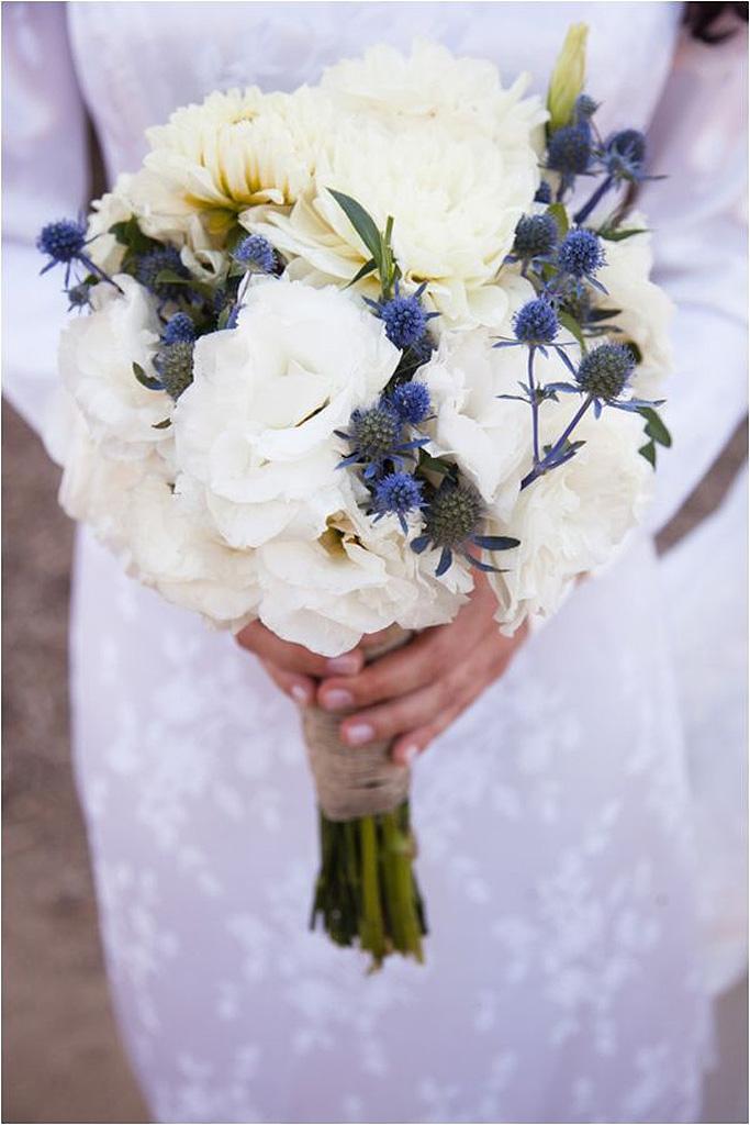 bouquet de fleurs blanches pour la mari e 25 bouquets de fleurs blanches pour toutes les. Black Bedroom Furniture Sets. Home Design Ideas