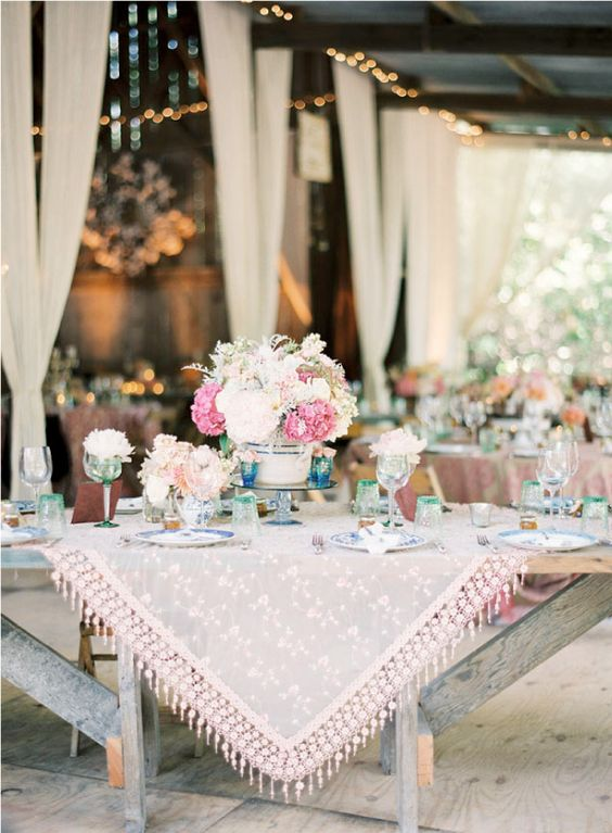 d coration de table mariage hippie chic les d corations de tables de mariage qui font de l. Black Bedroom Furniture Sets. Home Design Ideas