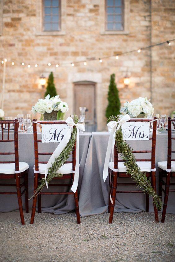 chaise de mariage champ tre des chaises de mariage qui font r ver elle. Black Bedroom Furniture Sets. Home Design Ideas