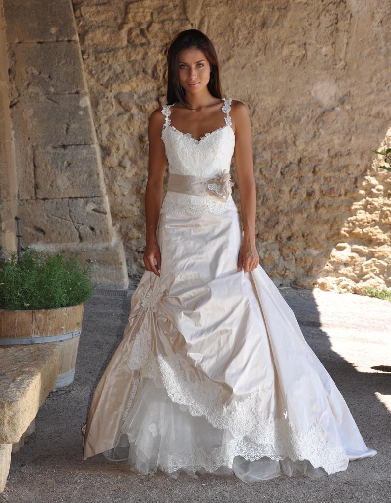 Les mari es de provence 100 nouvelles robes pour dire for Meilleur endroit pour les robes de mariage