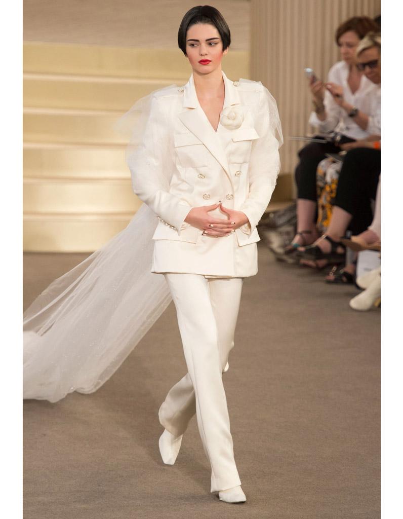 Extrêmement Robe de mariée Chanel haute couture automne-hiver 2015/2016 - 24  RA66