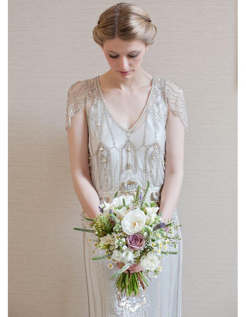 robe de mari e r tro ann es 20 20 robes de mari e r tro pour avoir un look vintage le jour j. Black Bedroom Furniture Sets. Home Design Ideas