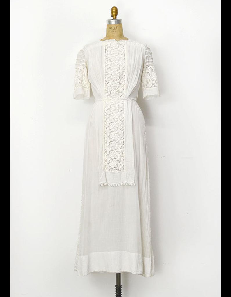 robe mi longue avec d tails en dentelle adored vintage. Black Bedroom Furniture Sets. Home Design Ideas