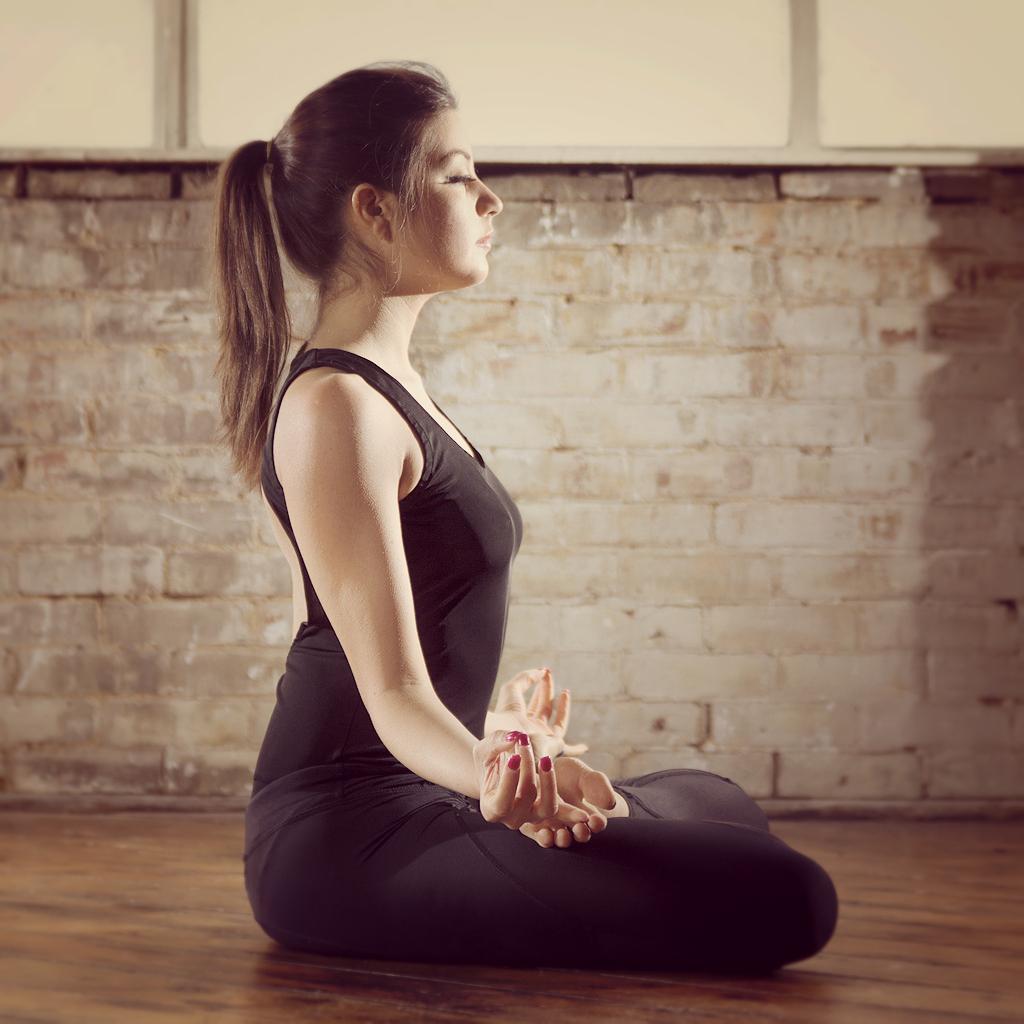 Yoga Du Matin : yoga du matin tout savoir sur le yoga du matin elle ~ Voncanada.com Idées de Décoration