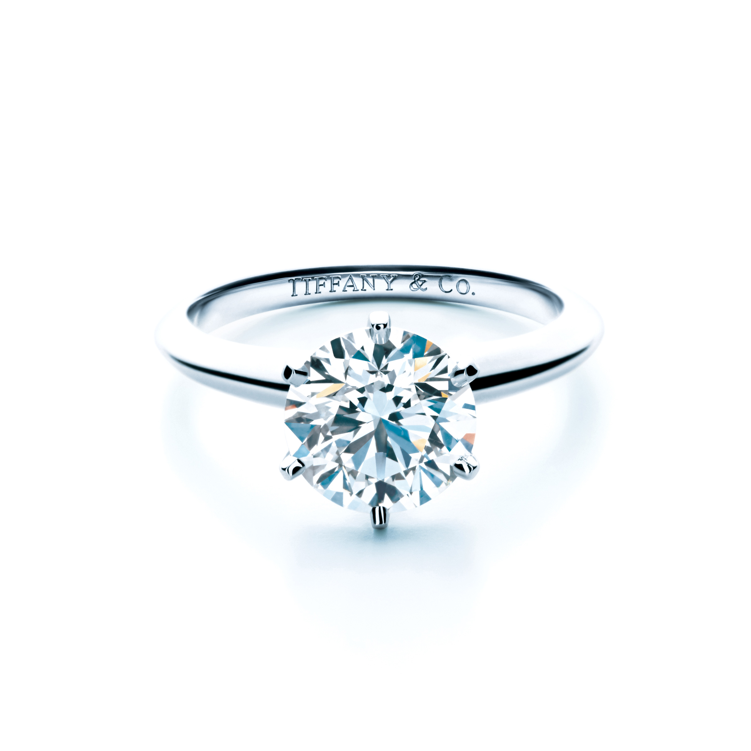 bague diamant et platine tiffany and co 10 bagues en diamant qui en mettent plein la vue elle. Black Bedroom Furniture Sets. Home Design Ideas
