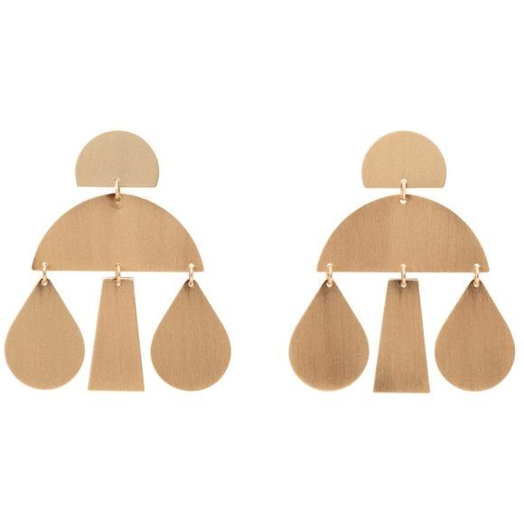 grosses boucles d oreilles dor es mango 40 boucles d oreilles xxl que l on veut tous prix. Black Bedroom Furniture Sets. Home Design Ideas