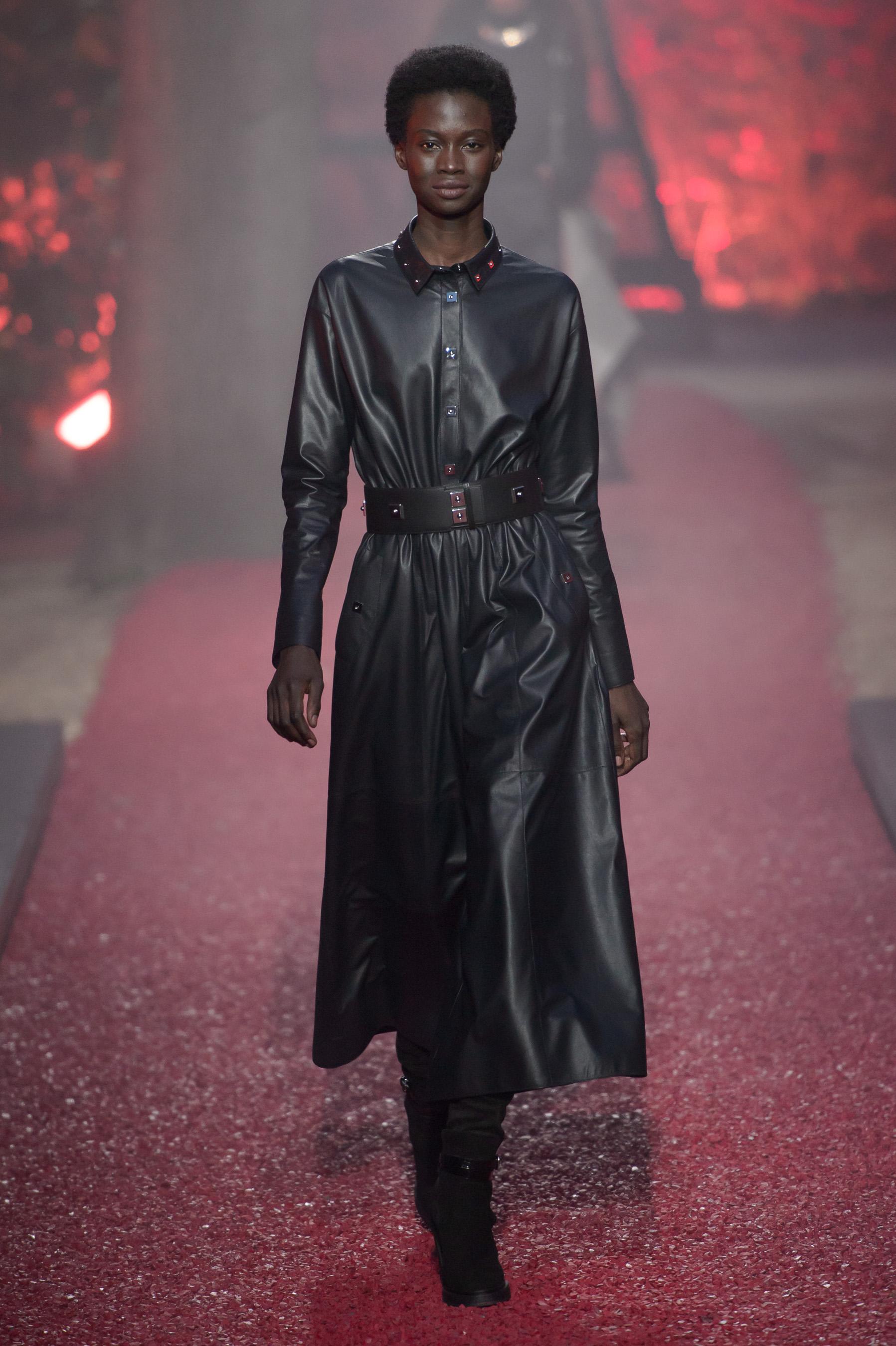 d05555b0cdd Défilé Hermès Prêt à porter Automne-hiver 2018 2019 - Paris - Elle