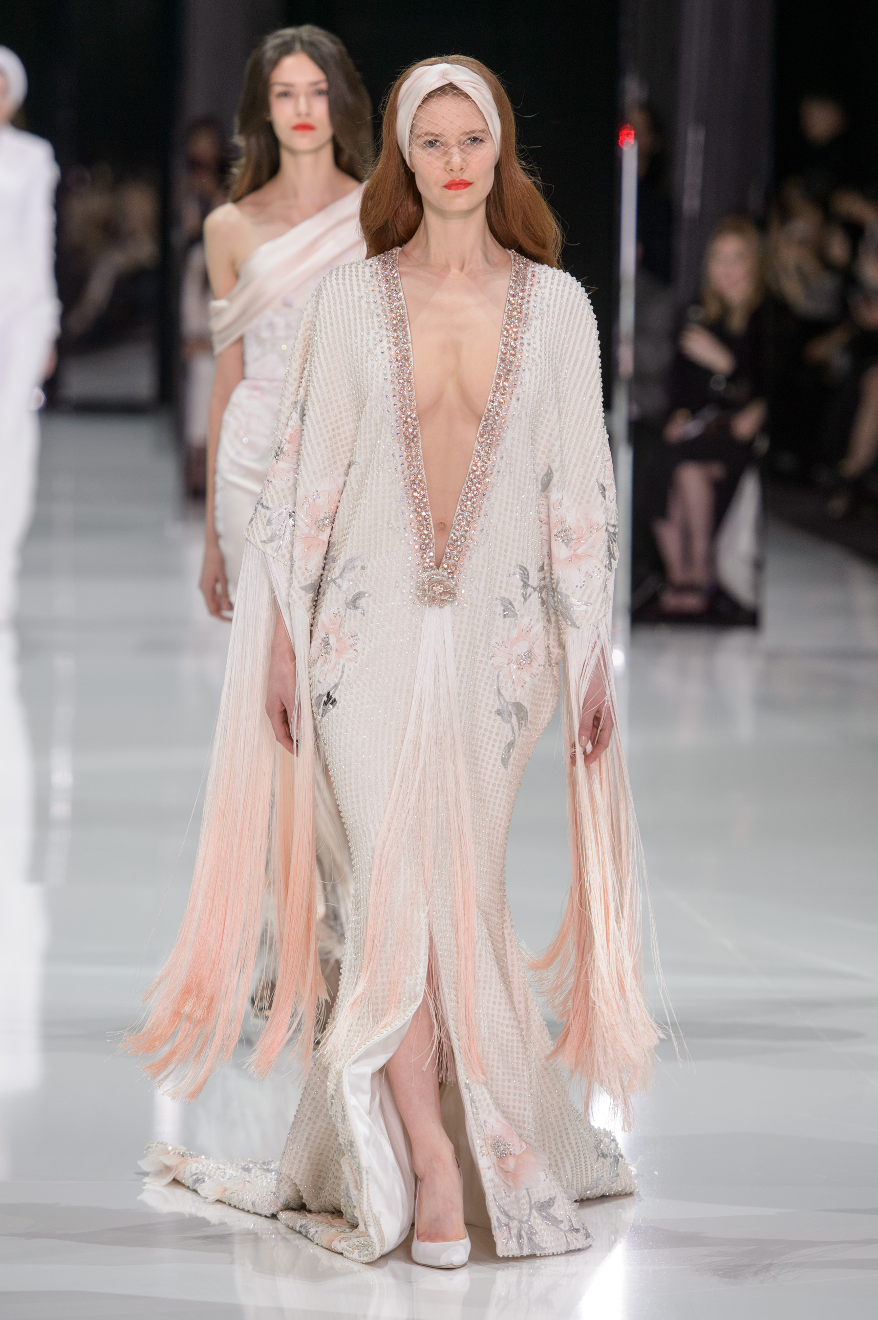 D fil ralph and russo haute couture printemps t 2018 for Haute couture photoshoot