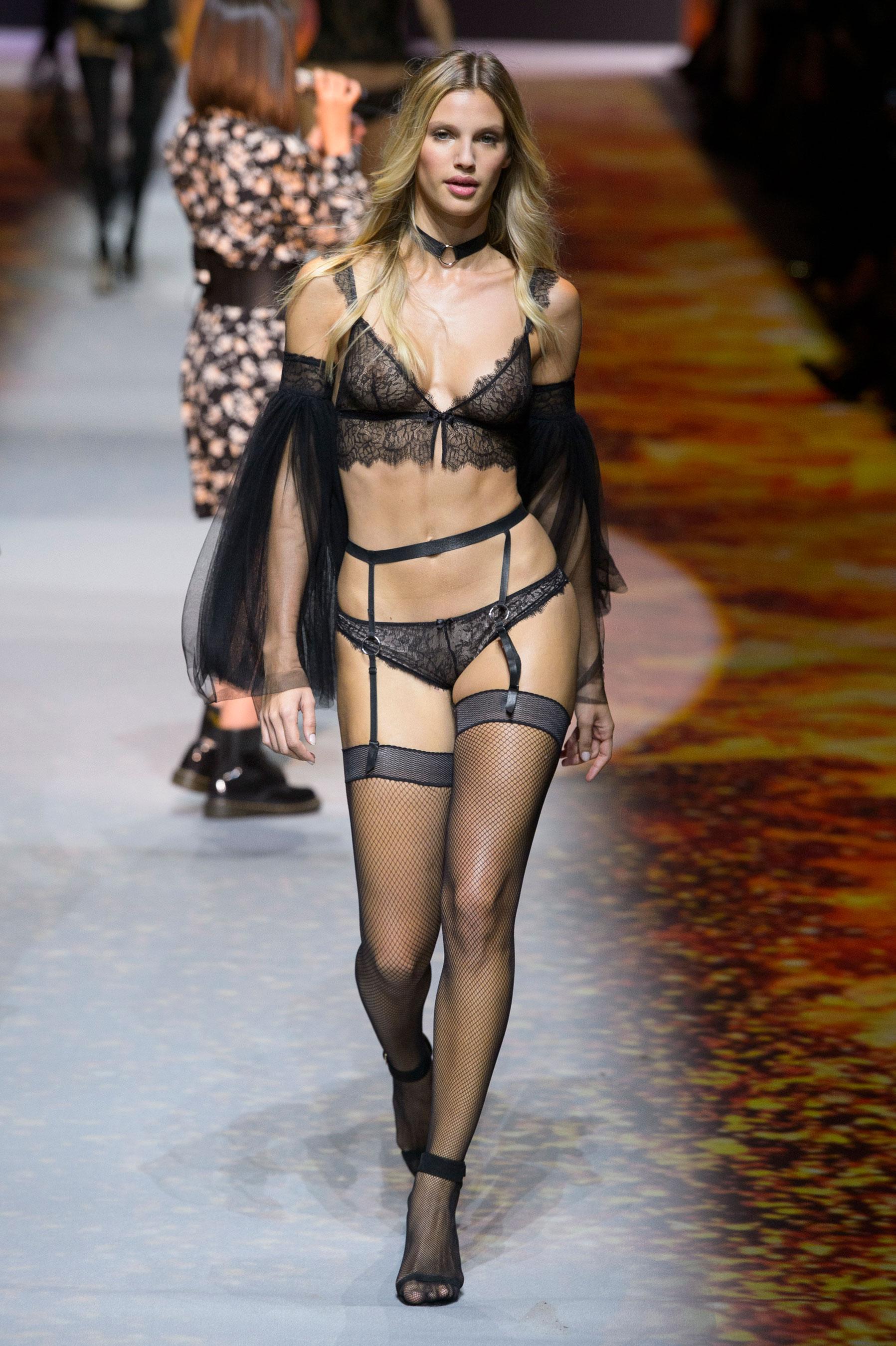 Défilé Etam Prêt à porter Spécial - Paris - Elle