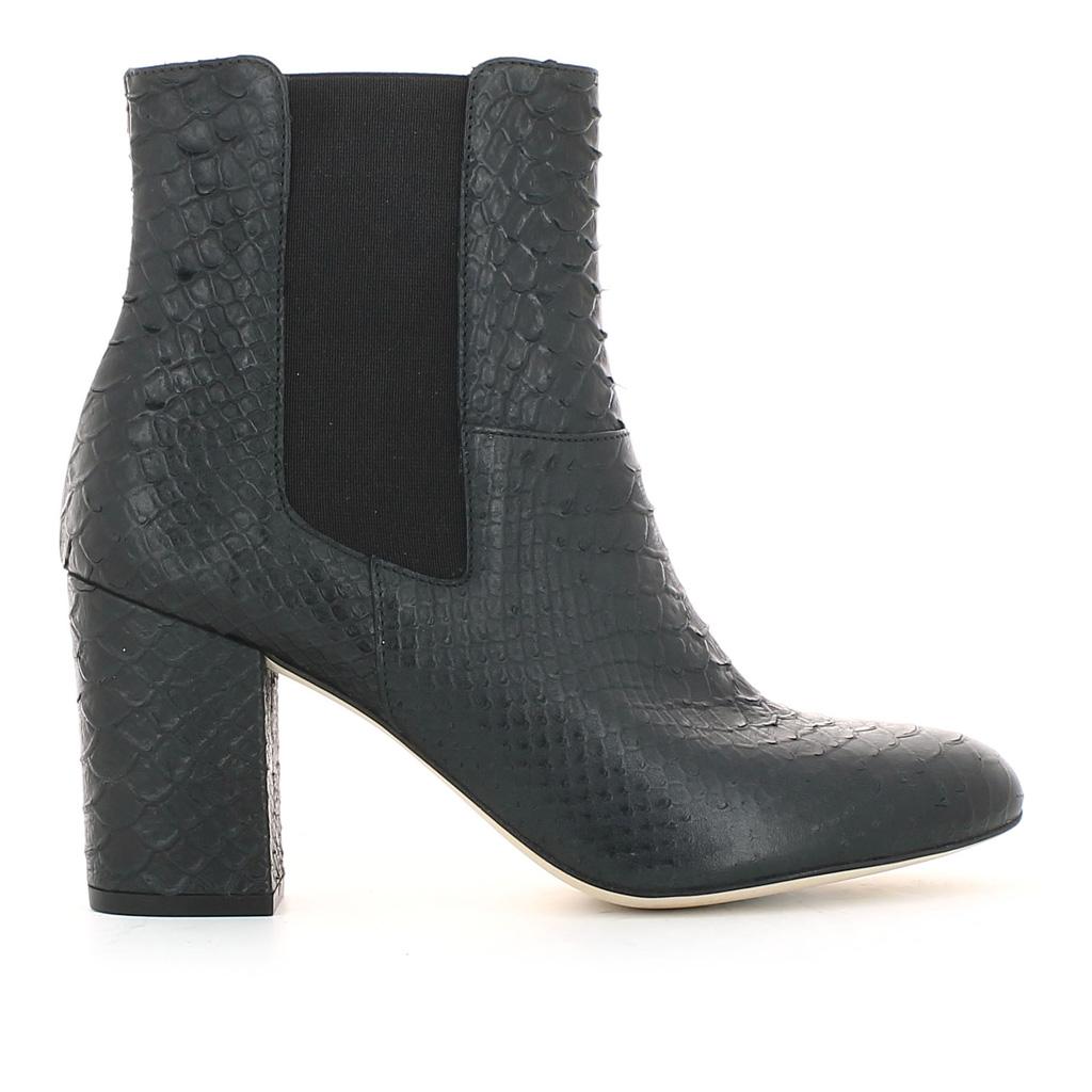 boots jonak soldes hiver 2015 50 articles moins de 100 euros elle. Black Bedroom Furniture Sets. Home Design Ideas