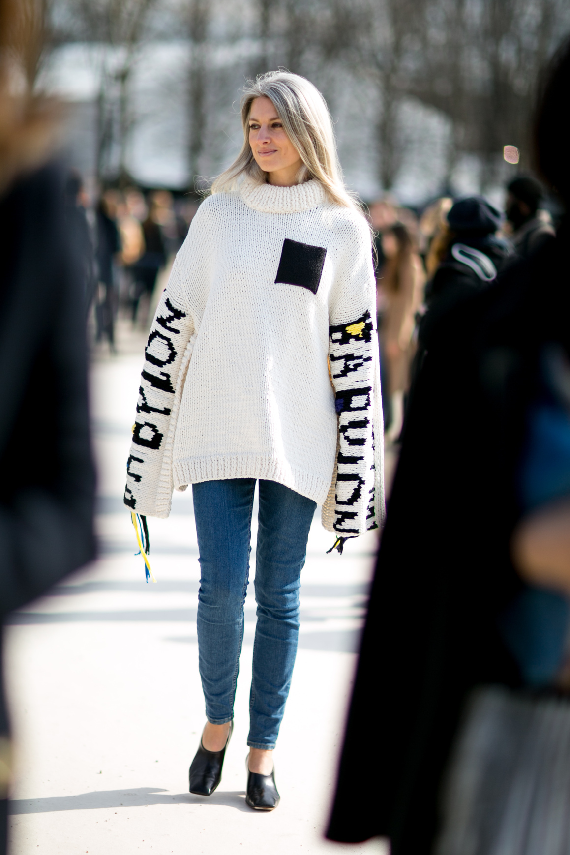 Trend Hairstyle Girl: Pull Oversize : Comment Porter Le Pull Oversize