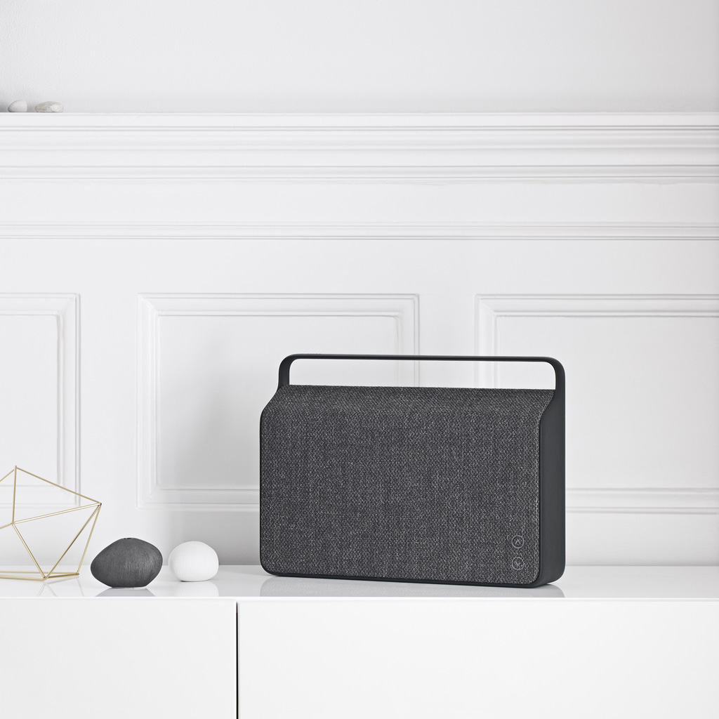 une enceinte bluetooth no l plus de 100 cadeaux design elle. Black Bedroom Furniture Sets. Home Design Ideas