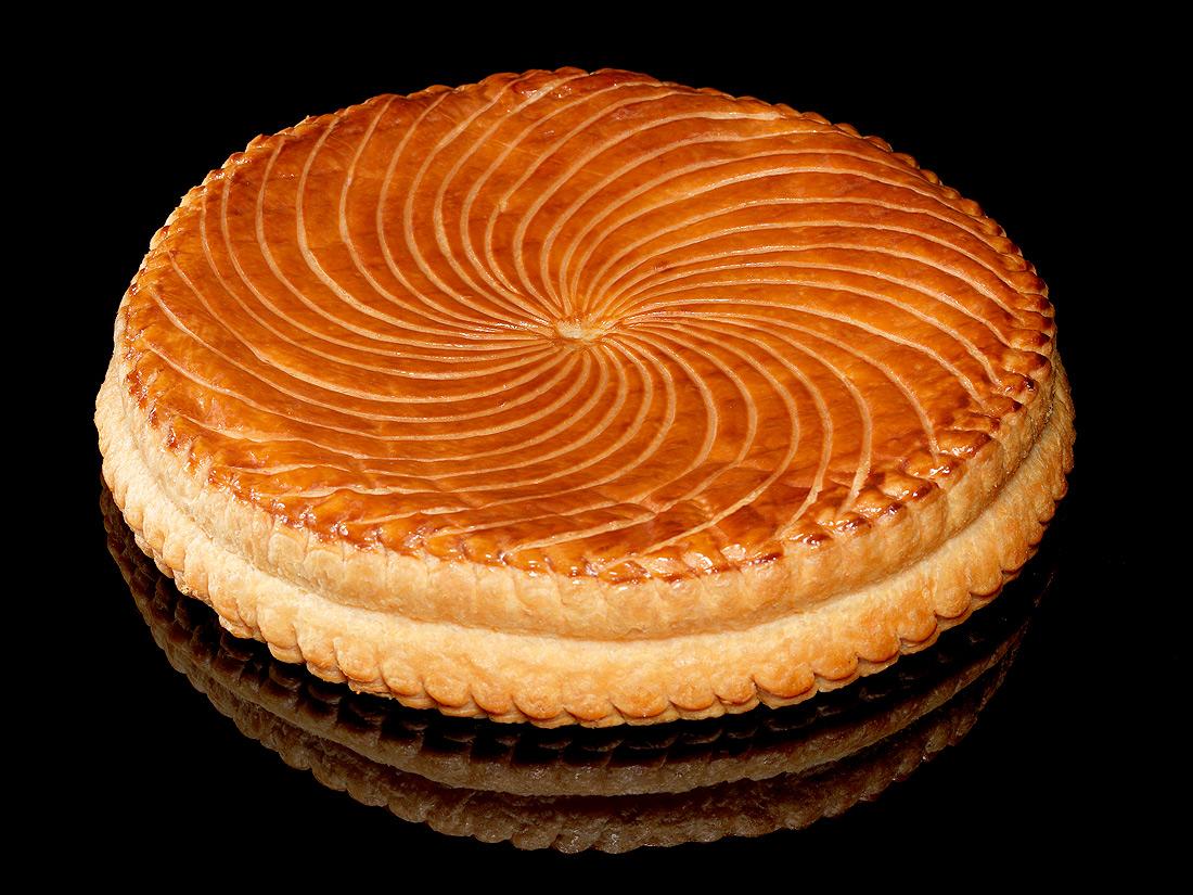 Galette la frangipane caf pouchkine 26 galettes for Decoration galette des rois frangipane