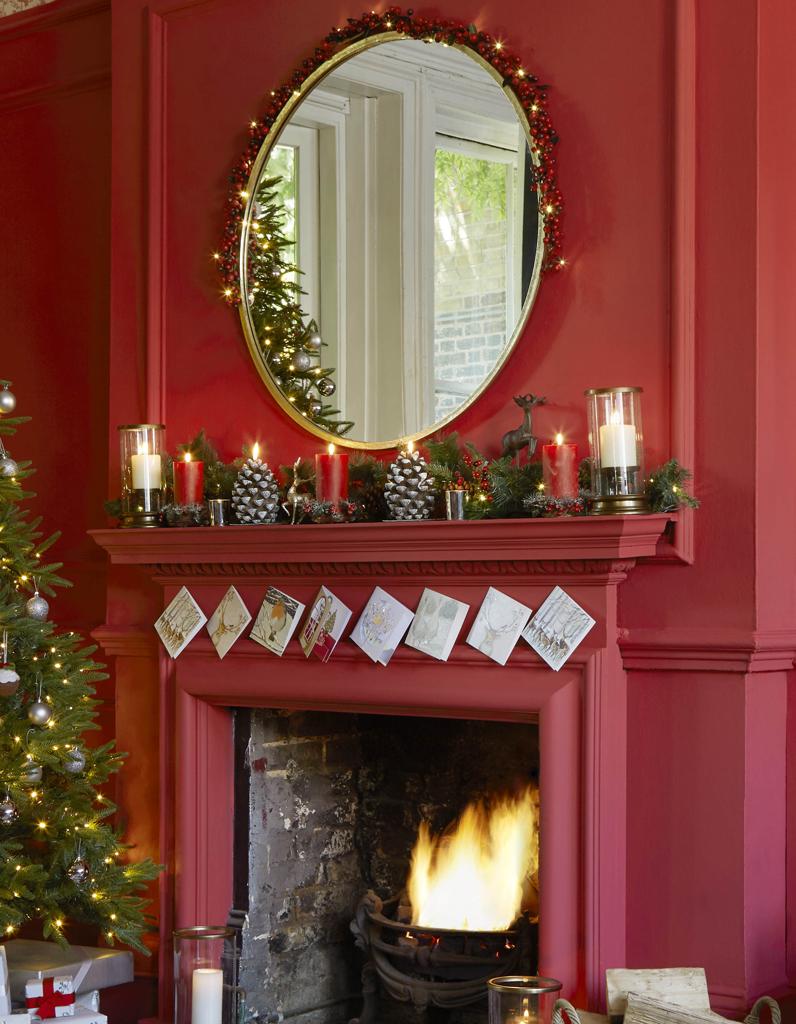 noël : on décore la maison avec du végétal et des bougies sur la