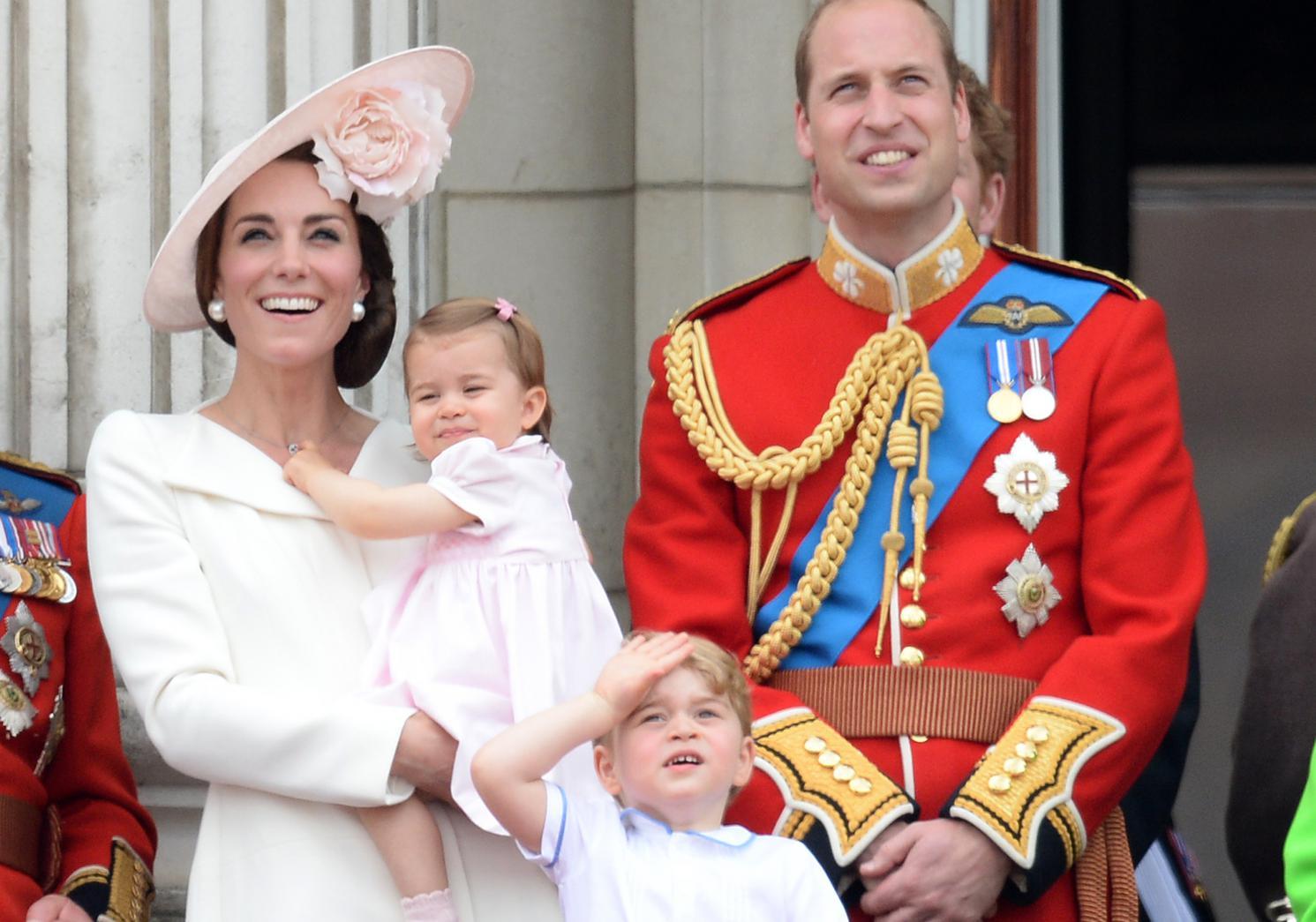 Extrêmement George et Charlotte, les stars de l'anniversaire de la reine d  AU04