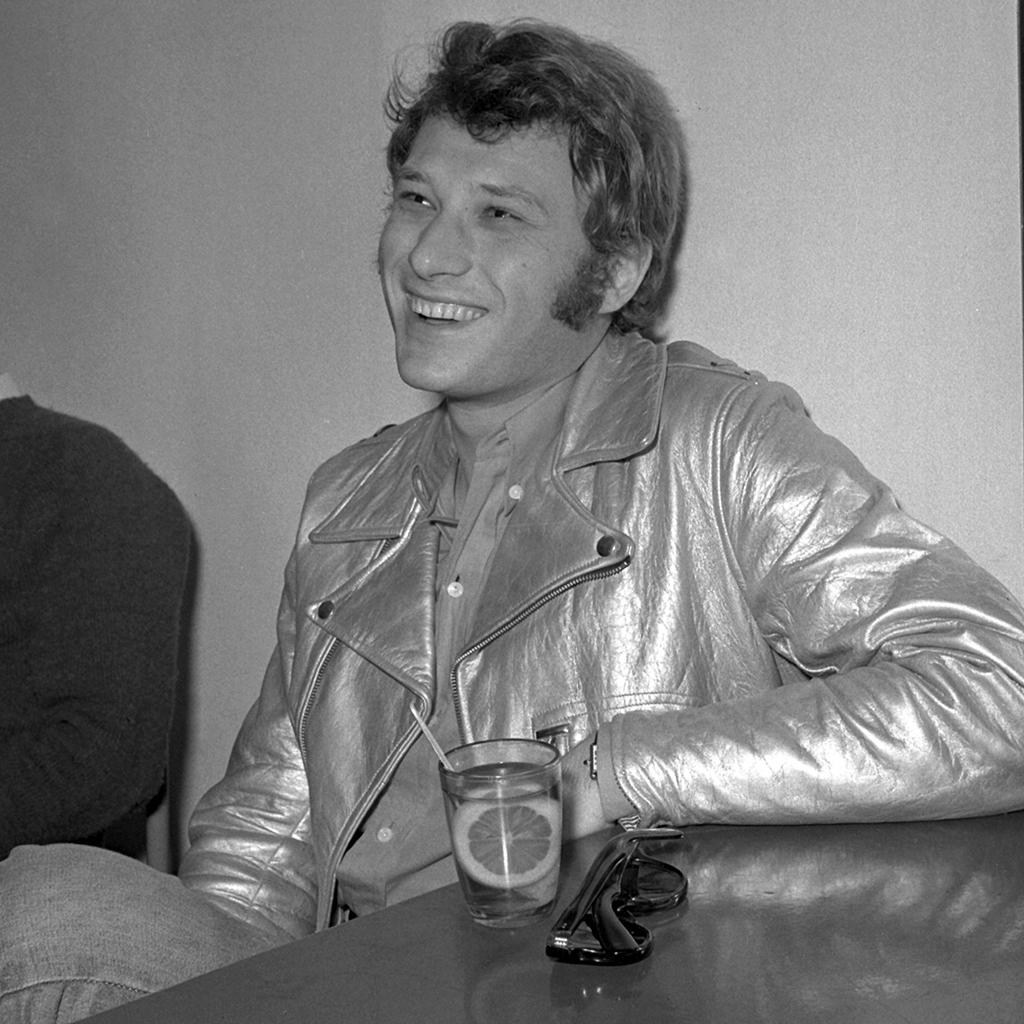 Johnny hallyday l idole des jeunes est d c d e 74 ans elle - Housse de couette johnny hallyday ...