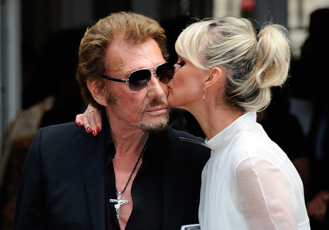 johnny hallyday jean claude camus donne des nouvelles de laeticia hallyday elle. Black Bedroom Furniture Sets. Home Design Ideas