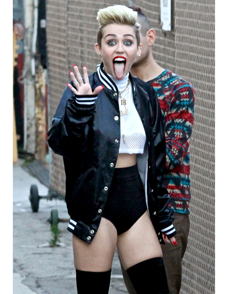 Culotte Miley cyrus rouge