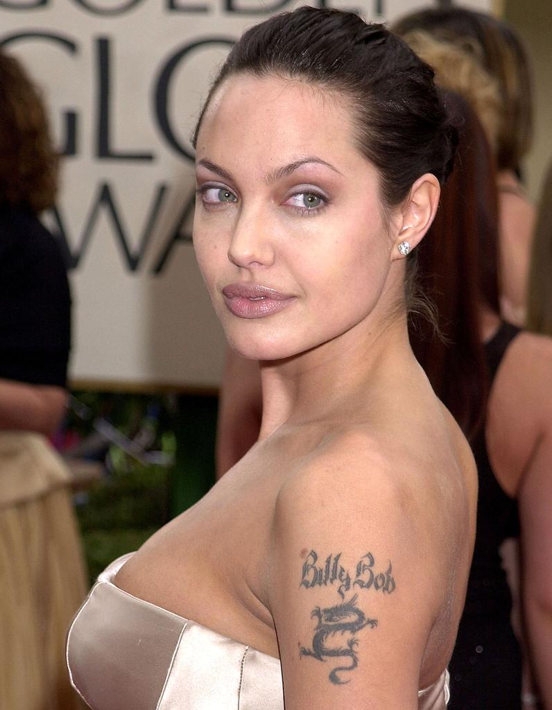 Un Tatouage Pour Lui - Angelina Jolie  Son Volution De -3526