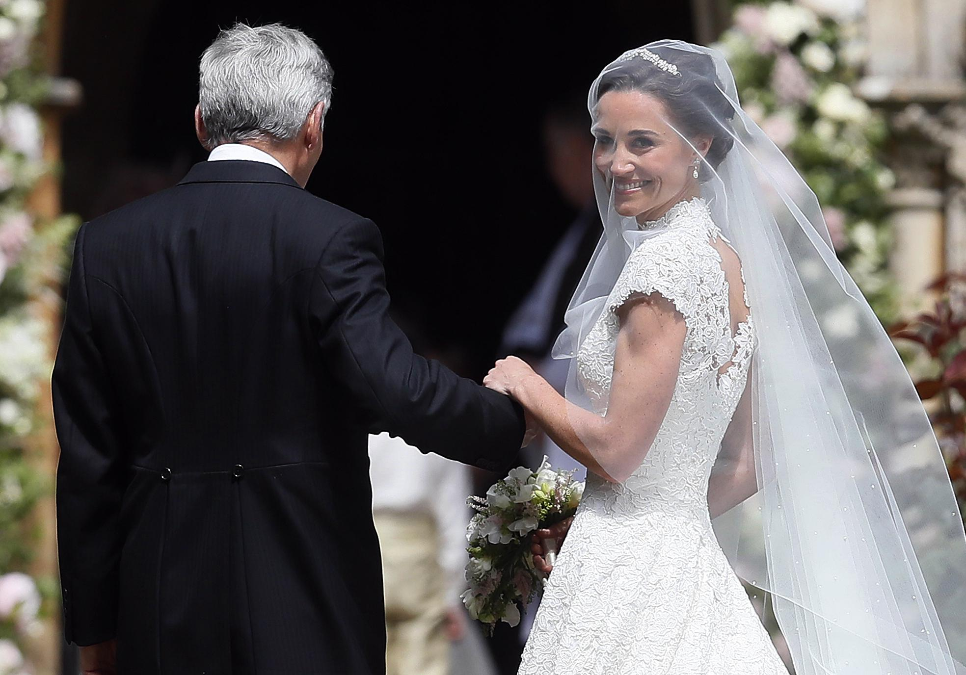 mariage de pippa middleton george et charlotte harry toutes les photos de la journ e elle. Black Bedroom Furniture Sets. Home Design Ideas