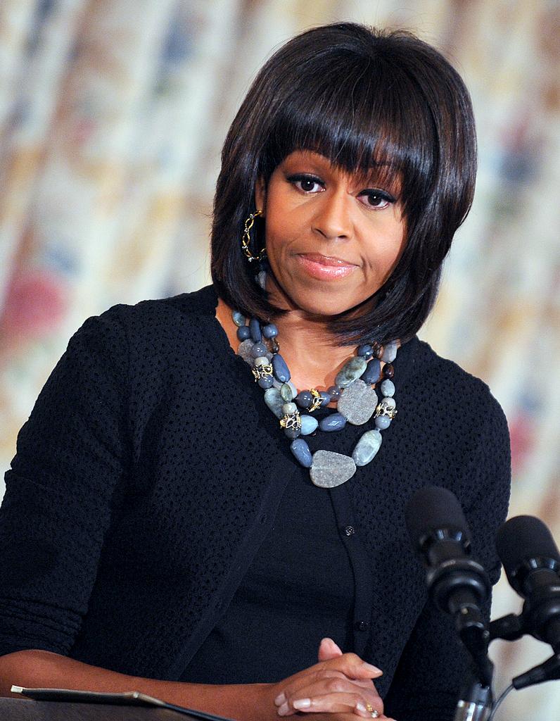 michelle obama ma frange c est la crise de la cinquantaine elle. Black Bedroom Furniture Sets. Home Design Ideas