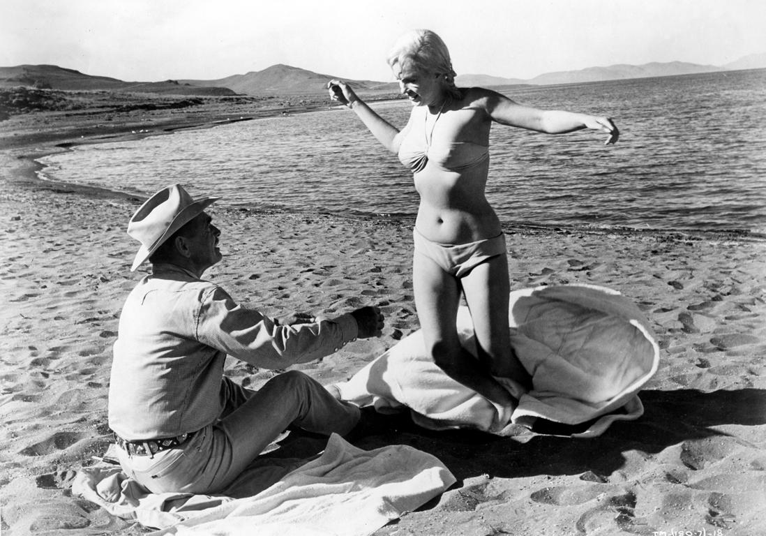Jane birkin and romy schneider nude le mouton enrage 6